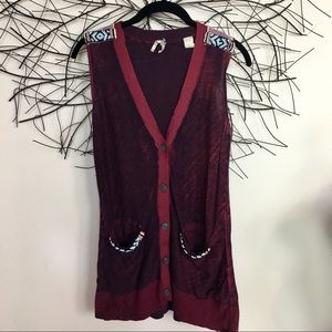 Sleeveless boho BKE beaded cardigan. XS. Pockets